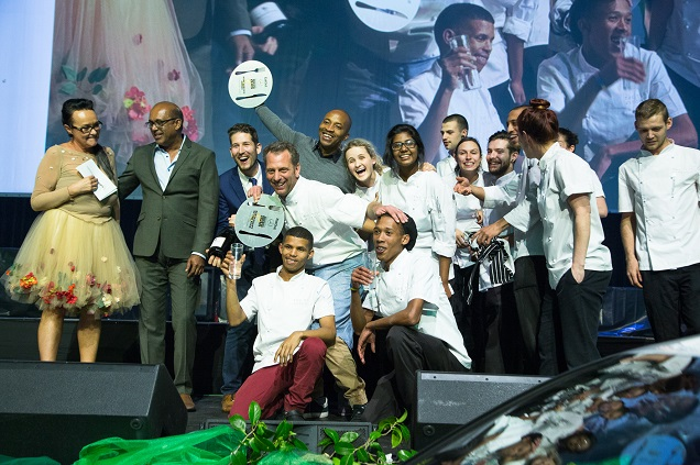 luke_daleroberts_and_the_test_kitchen_team_accepting_the_eat_out_restaurant_of_the_year_award