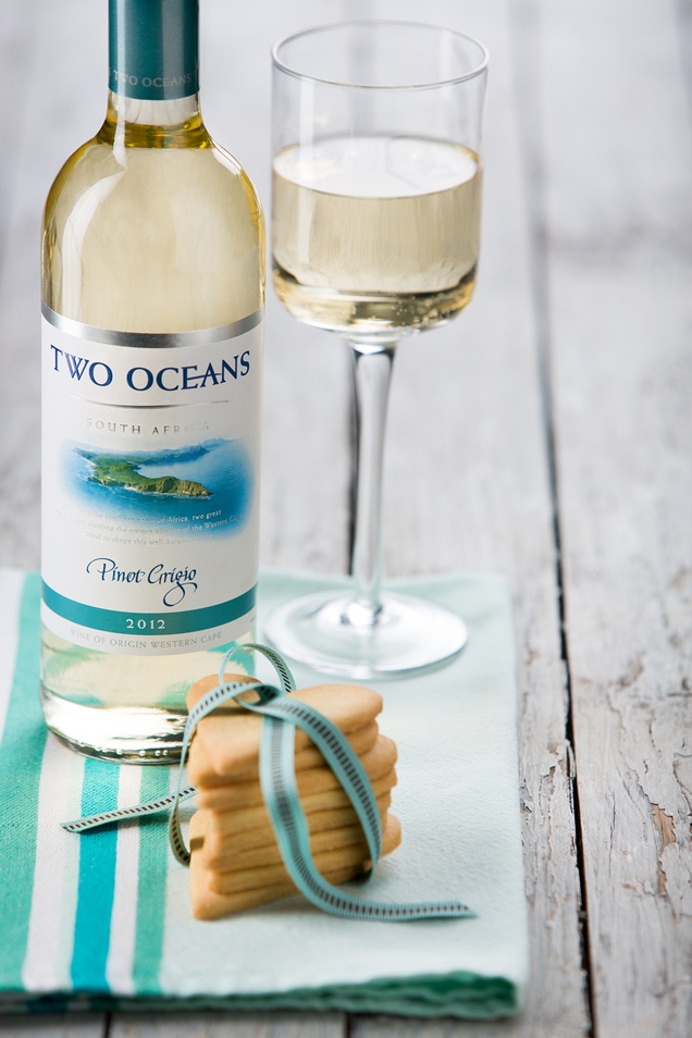 Two Oceans Pinot Grigio with Butter Biscuits
