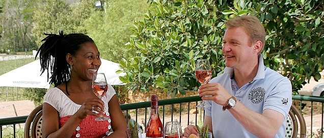 Guests enjoying Rosé at Rickety Bridge Estate 700kb
